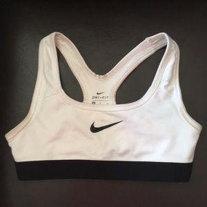 Nike girls sports bra sz small
